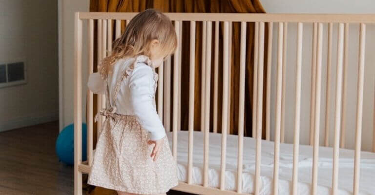 Kinderbett 90x200 cm
